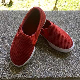 Slip on red