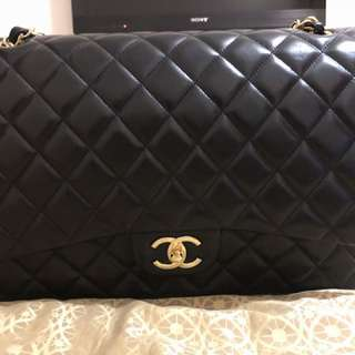 CHANEL Classic Flap (Maxi) Lambskin Gold colour hardware
