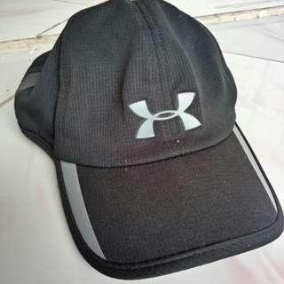 Topi underarmour masih baru