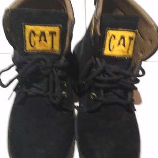 Sepatu kulit pria cutterpilllar