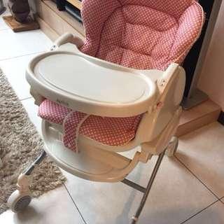 aprica手搖餐椅