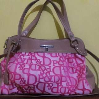 Repriced!!Authentic Pinky and Diane 2 way bag