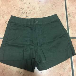 Linen army green shorts