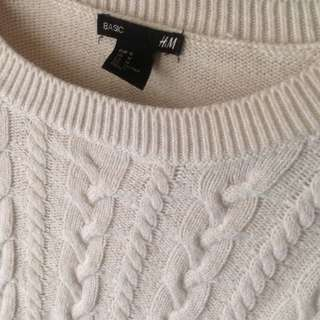 Hnm beige sweater