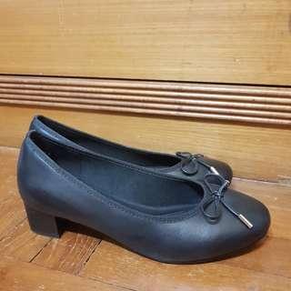 Bata Black Pump Shoes