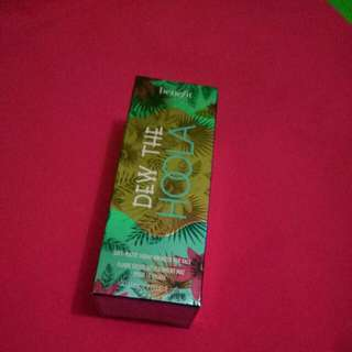Flash Sale BENEFIT dew the hoola