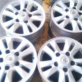 "Land cruiser series 200 oem 16"" rims"
