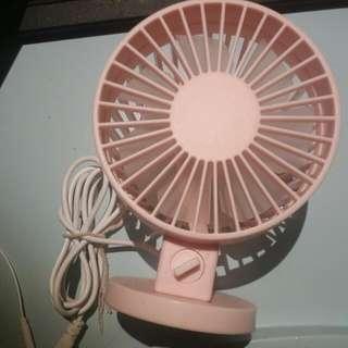 USB座枱式風扇