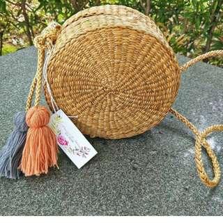Juwee round slingbag