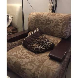 BROWN SOFA SET