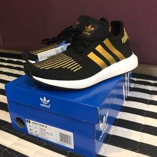 Adidas Swift Run UK 4 $150