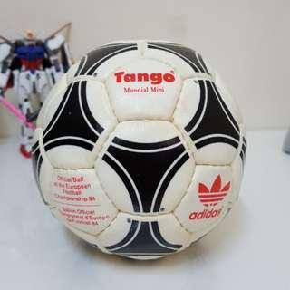 1984 Adidas Tango Mundial Mini ball