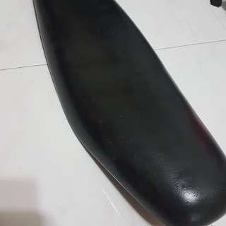 Yamaha Spark Seat