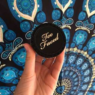 Too faced born this way translucent powder