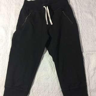 Ellen x Gap Cropped Sweatpants