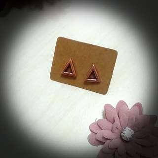 🚚 三角   耳針