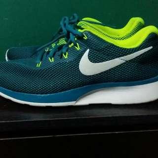Nike Tanjun Racer