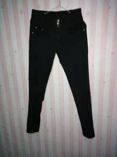 Celana jeans 3 kancing