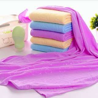 Handuk mandi bahan serat mikro mudah menyerap