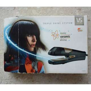 Vidal Sassoon Ionic Ceramic Hair Straightener VS2033T