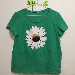 🌺Green Top with Daisy and black beads Design -fits S-M