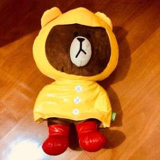 Line Brown 熊大雨衣造型