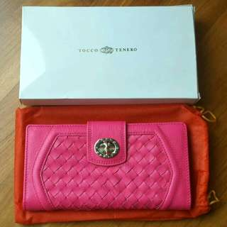 Tocco Tenero hot pink wallet