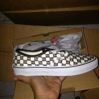Vans Authentic Pro Supreme Bw