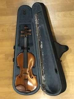 4/4 Violin from Yamaha.