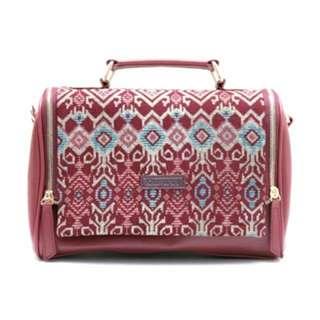 Samera sling bag