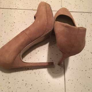 Forever 21 high heel size 37.5
