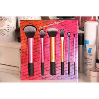 BRAND NEW ✨🌸 Sam's Pick Real Technique Brush Set