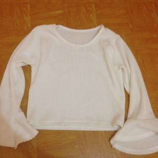 Atasan crop top putih