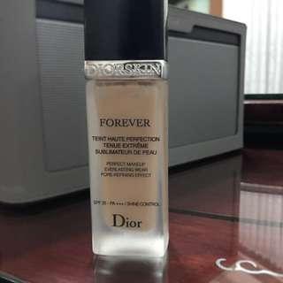 Dior超完美持久粉底液 零瑕疵 零毛孔 零脫妝