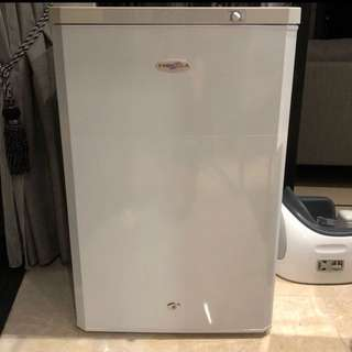 Farfella - 120L upright freezer (white)