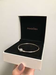 Pandora bracelet (star-shaped) 只戴過1次