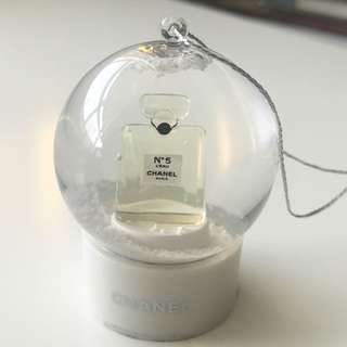 【Chanel】Luxury Chanel Snow Globe Dome VIP Gift 水晶球 N5 掛件 擺件 限量 非賣品 Small size