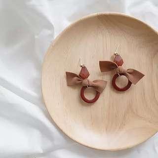 R Korean earrings