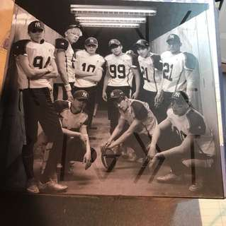 EXO <LOVE ME RIGHT>專輯