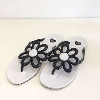 🚚 Melissa 香香鞋 巴西尺寸36(Mel 夏日花漾夾腳拖鞋-白色)
