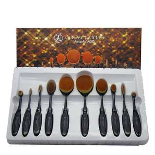 🌸✨  Anastasia Beverly Hills Paddle Brush Set