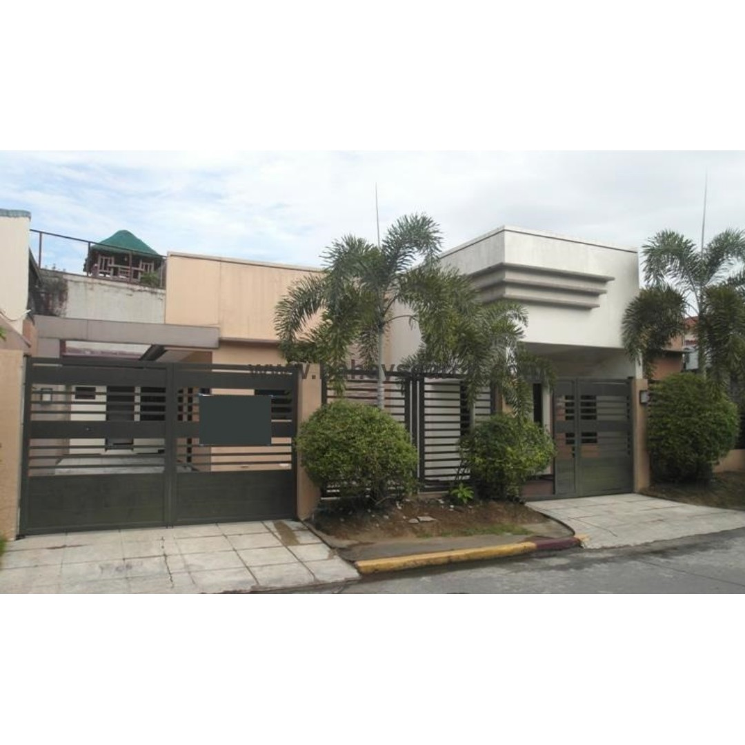 280SQM 3CAR GARAGE SINGLE ATTACHED Quezon City House and Lot For Sale
