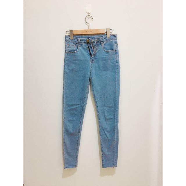 淺色🏻牛仔長褲👖