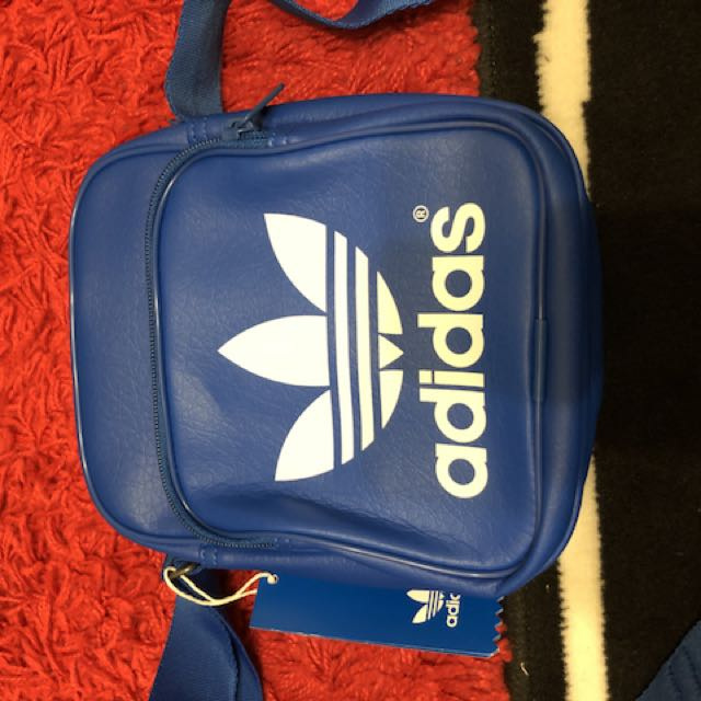 adidas雙層斜背包/藍色