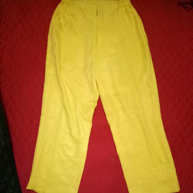 Celana Bahan Kuning Ada Furing