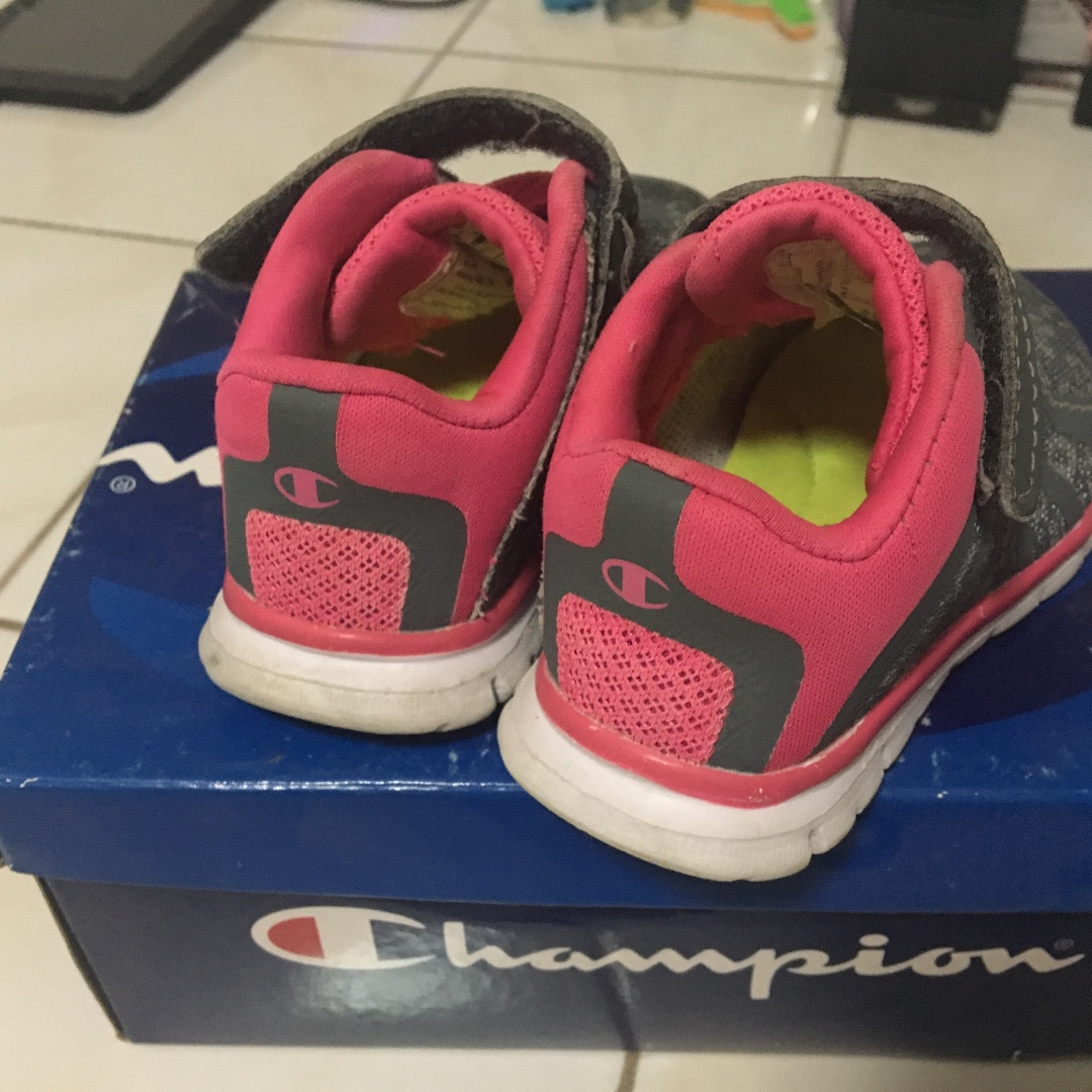 9235ac1cdd92 Champion Kid s Rubber Shoes Size 5W