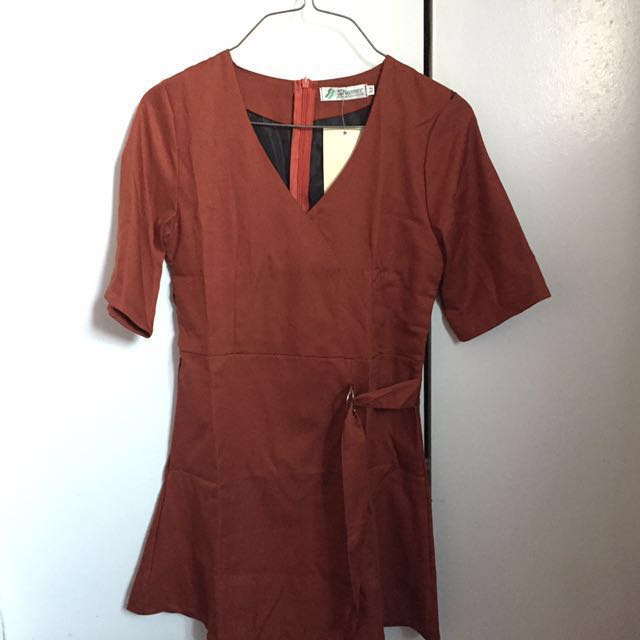 Cute V-neck dress