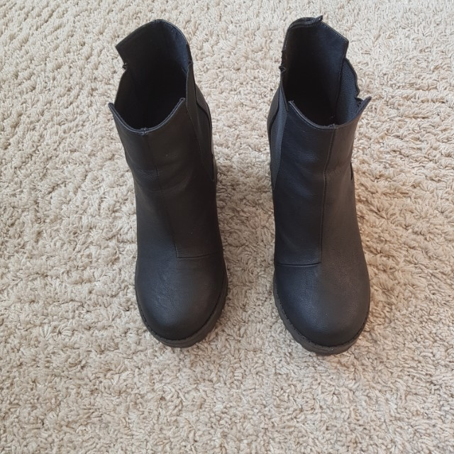 Divided Boots