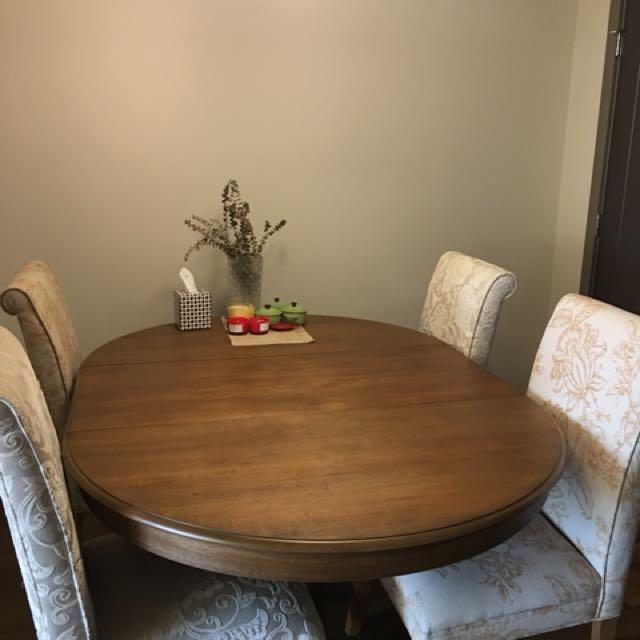 Fine dine table
