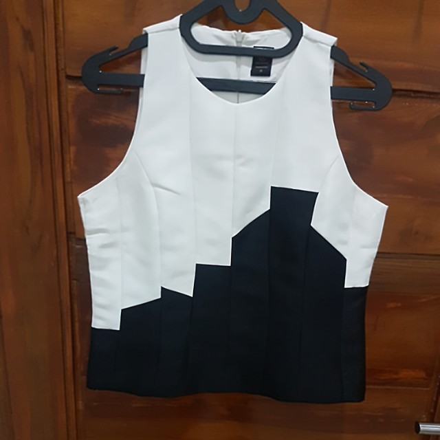 Heiress black n white top